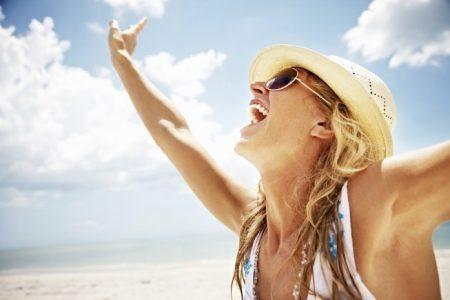 Sole, 4 benefici ti fanno bella e rilassata